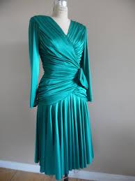 vintage 1980s emerald green slinky knit satin like drop