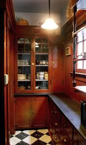Victorian Style Kitchen Cabinets Best 20 Victorian Kitchen Ideas On Pinterest Victorian Pantry