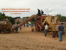 tracteur en bois saint pierre les bois dans le cher fête agricole des vieux