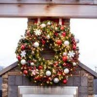 large lighted wreaths decore