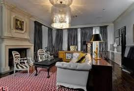 Celebrity Living Rooms Celebrity Living Room Crown Molding Zillow Digs Zillow