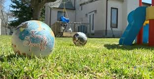 Kids Playing Backyard Football David Icke Mom Investigated For Letting Kids Play In Backyard