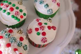 ornament cupcakes make a great centerpiece