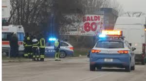 camion porta auto scontro tra auto e camion un ferito piceno news 24