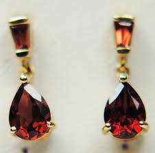 9 carat gold earrings garnet 9 carat yellow gold earrings h43 5283 20