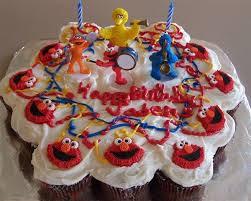 elmo cupcakes elmo cupcakes cake thepartyworks