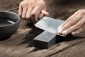 best way to sharpen kitchen knives a professional guide to choosing the best knife sharpener