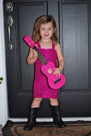 halloween taylor swift costume 2 giggle boxes taylor swift and her guitar
