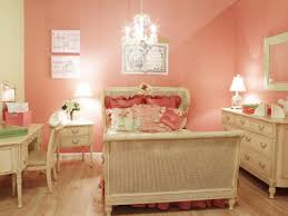 Gold Wall Paint by Gold Paint Bedroom Ideas