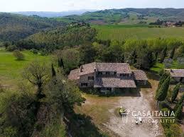 traditional farmhouse for sale between todi and montecastello di vibio