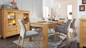 Wohn Und Esszimmer In Einem Raum Speisen