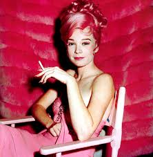 costume mariage dã contractã shirley maclaine on the set of what a way to go 1964 costumes