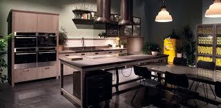 cuisine bois acier cuisine en bois 4 façons de la moderniser inspiration cuisine