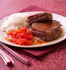 cuisiner un roti de boeuf au four rôti de boeuf aux poivrons confits les meilleures recettes de