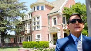 tour the american horror story house inspaces video youtube