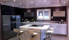 cuisine avec modele cuisine avec table intégrée idée de modèle de cuisine
