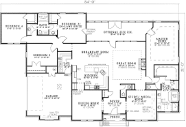 one story house plans with two master suites stunning decoration single level house plans with two master