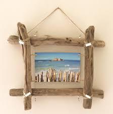 ideas deco low cost decora con troncos de madera natural cadre photo en bois flotte par l atelier de corinne