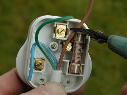 9 easy steps to wiring a plug correctly and safely dengarden
