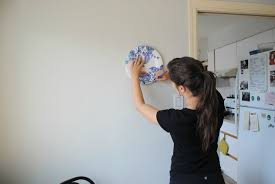 cheap and easy decor hang plates without hurting them or your