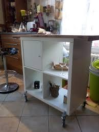 cuisine diy diy petit îlot de cuisine réalisé avec 2 planches à découper un