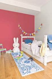 chambres de filles couleur des chambres filles 3 un mur peint en fushia pour les