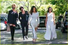 khloe kourtney lunch with kris jenner after