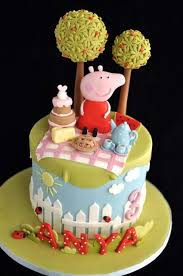 peppa pig cake ideas 39 best peppa pig images on pig party pigs and peppa pig