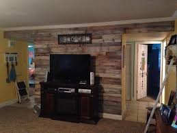 Wood Interior Wall Paneling Diy Pallet Wall Paneling Pallet Bedroom Walls 99 Pallets