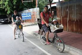 vélo avec siège bébé j6 ayuthaya en vélo avec des bébés ça c est fait 13 aout en