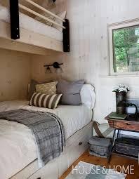 Cottage Decorating Ideas Best 25 Cottage Bedrooms Ideas On Pinterest Beach Cottage