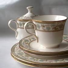 are downton dishes your style