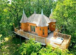 cool tree house best treehouses amazing tree house vacations