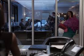 running into a glass door the mindy project u0027 recap episode 416 mindy gets a money guy