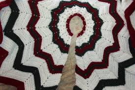 smoothfox crochet and knit don u0027t forget the christmas tree skirt