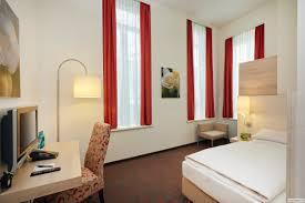 zimmer komfort einzelzimmer 02 hplus hotel muenchen jpg