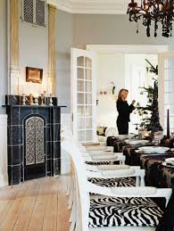 10 stylish black and white christmas décor ideas digsdigs
