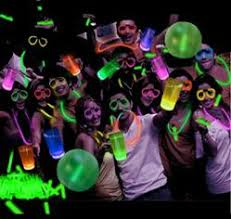 glow in the party supplies put on a glow themed summer party with glowsource