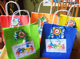 Birthday Favor Bags by Do I To Give Favors Greenily