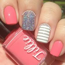 easy nail art glitter 10 easy nail designs you can master in minutes the savvy couple