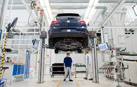 volkswagen germany factory here u0027s why automakers are building cars with bigger engines fortune
