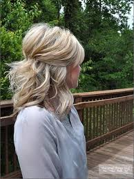 short hair layered and curls up in back what to do with the sides best 25 hair pinned back ideas on pinterest pinning back bangs