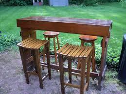 Build Outdoor Bar Table by Diy Outdoor Cedar Bar Diy Cedar Outdoor Bar Pinterest Bar