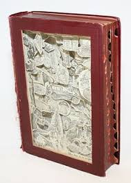 Upcycle Old Books - 6 awesome ways to upcycle old books upcycle eco friendly and reuse