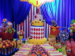 Carnival Themed Table Decorations 231 Best Circus Carnival Party Images On Pinterest Circus Theme