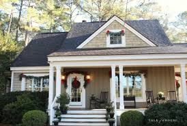 Decorate Outdoor Railing Christmas by Our Outdoor Christmas Decorating Talk Of The House