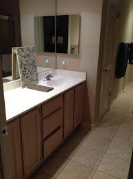 paint colors for bathroom wall and vanity
