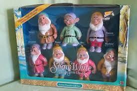 chagne gift set new disney snow white and the seven dwarfs gift set mattel 1992