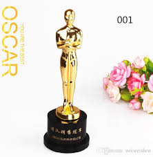 Trophy Pedestal Online Cheap 8 Styles Gold Statuette Movie Star Trophy Cup Crystal
