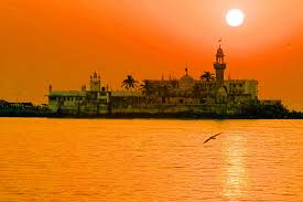 discover the famous places you must see in mumbai